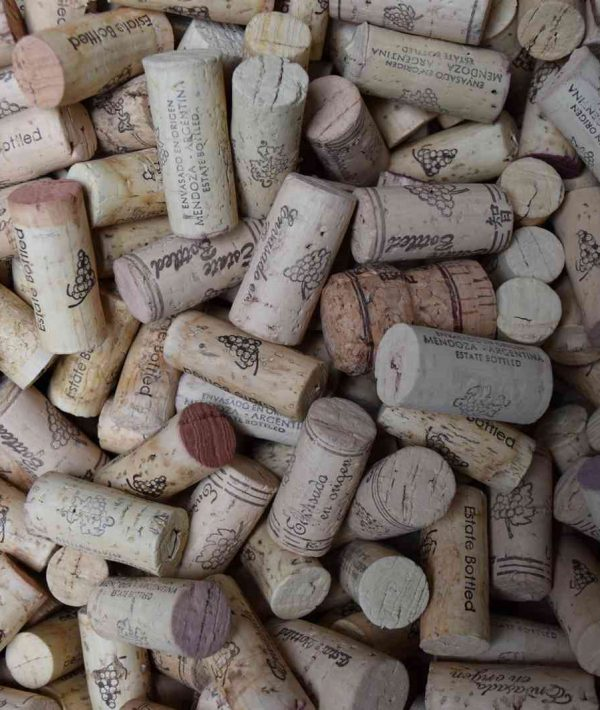 corks-background-1600x1067